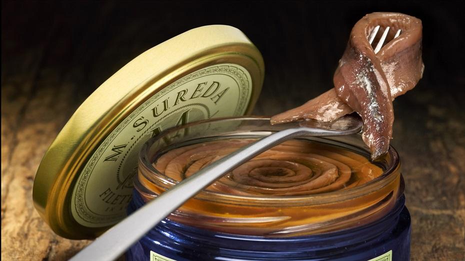 Tast d'anxoves de l'Escala amb vins del Penedès