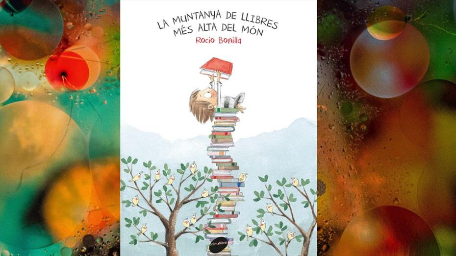 """Contacontes """"La muntanya de llibres més alta del món"""""""