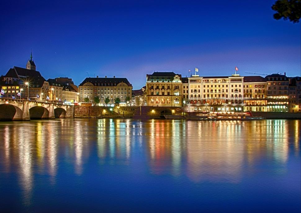 Cap d'any en creuer fluvial pel Rin