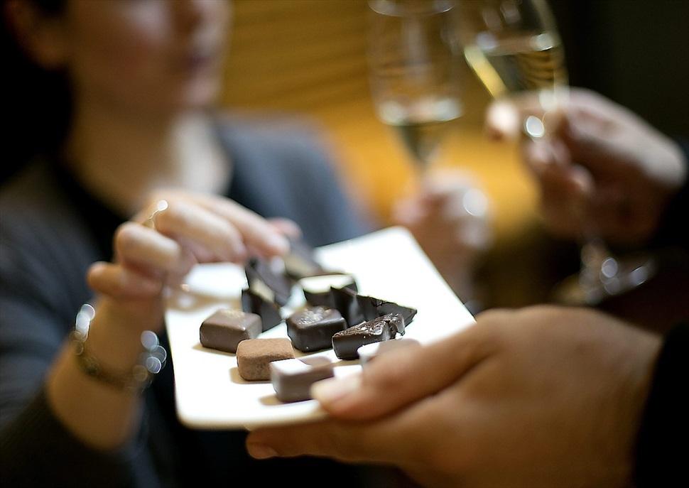 Maridatge amb cava i xocolata als Cellers carol Vallès
