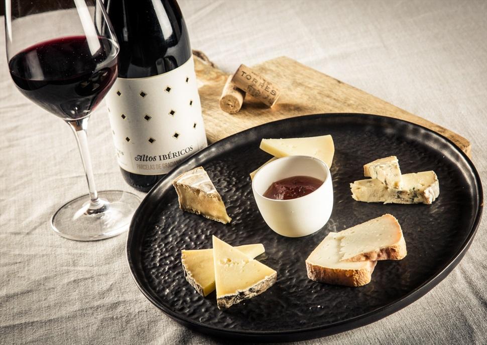 Maridatge de vins Torres i formatges gourmet