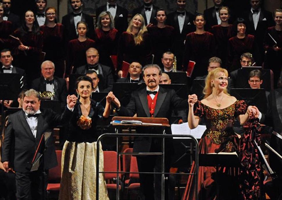 Carmina Burana de Carl Orff - Simfonia num. 9 de Beethoven