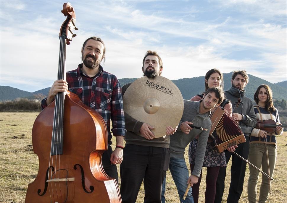 Espores: Orquestrina Trama, Aires del Montseny i Cia. Torreta · Festival Tradicionàrius 2018
