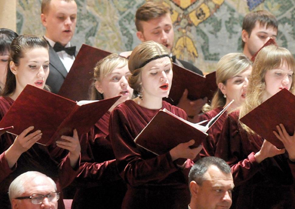 Àries i cors famosos d'òpera