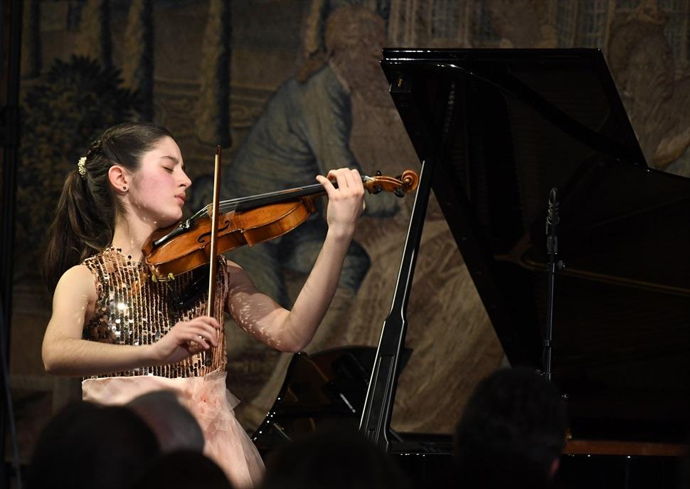 María Dueñas, violí
