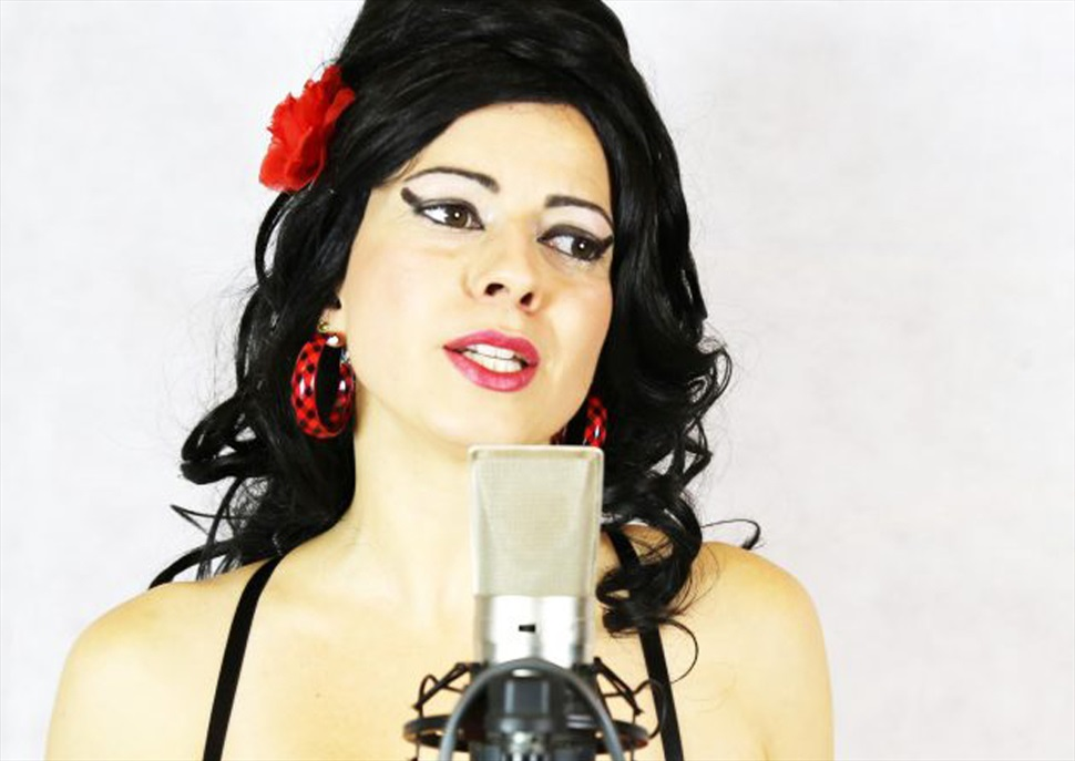 Amy Winehouse Acoustic Tribute