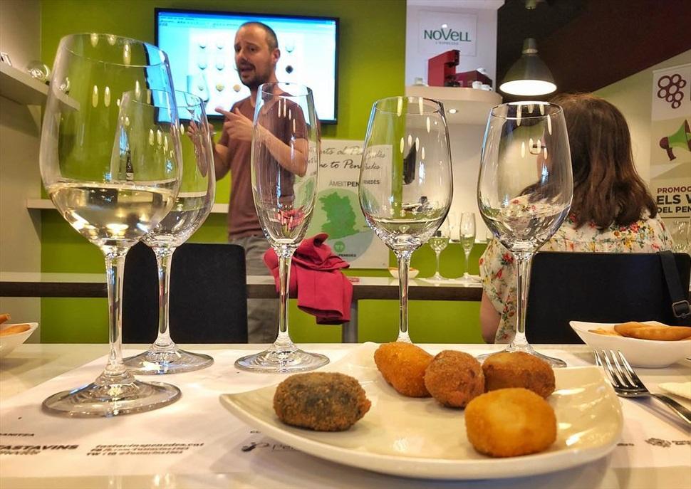 Croquetes gourmet amb vins i caves del Penedès