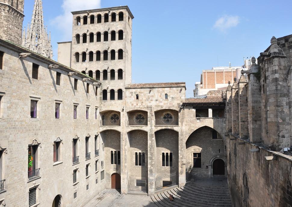 """Ruta literària """"Barcelona. Anatomia històrica de la ciutat"""", amb Enric H. March"""