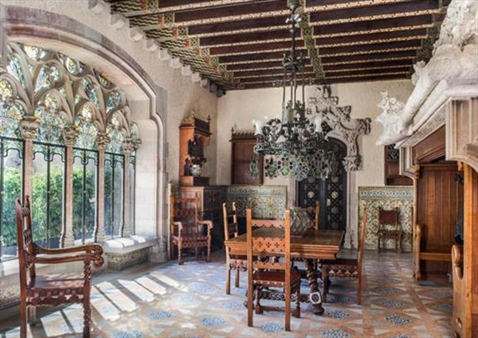 Nits Singulars a la Casa Museu Amatller: Visita teatralitzada i copa de vi