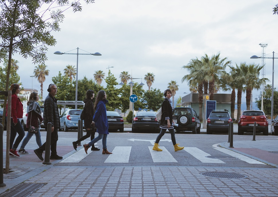 Paseo urbano · Itsaso iribarren & Gerán de la Riva - Fira Tàrrega