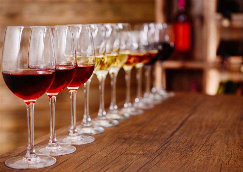 Tast de vins al mercat de Santa Caterina