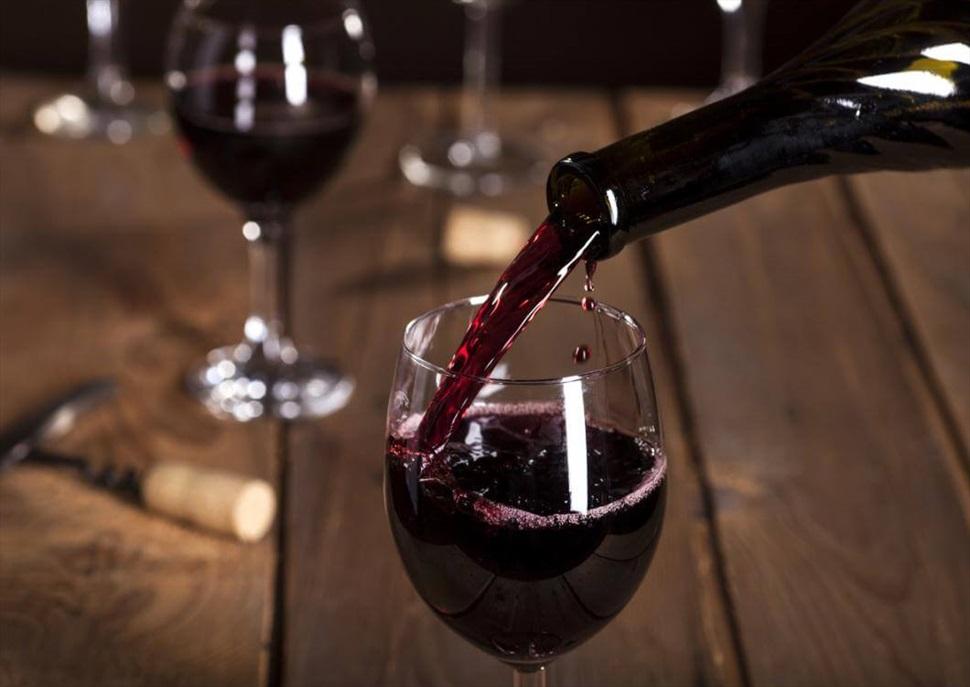 Tast de vins al Mercat de Santa Caterina · Do Empordà