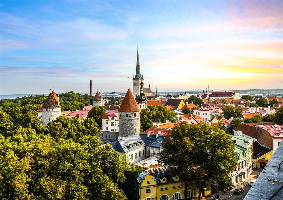 Viu el solstici d'estiu a Tallin i Riga