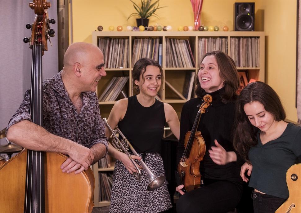 Joan Chamorro New Quartet amb Alba Armengou, Èlia Bastida i Carla Motis · Sona Amer