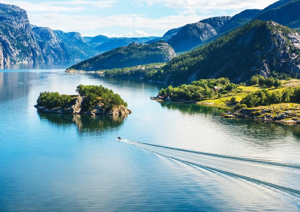 Els Fiords Nourecs a l'estiu