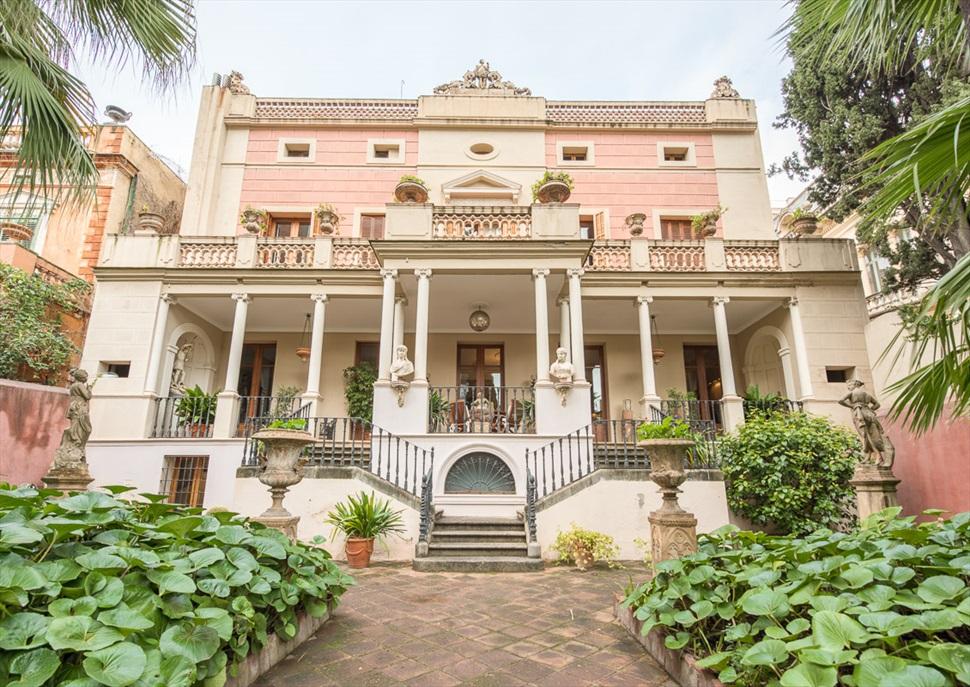 Nits d'estiu a les Cses Singulars: Visita a la Casa Rocamora i copa de vi al jardí
